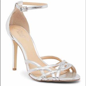 Badgley mischka silver shoes